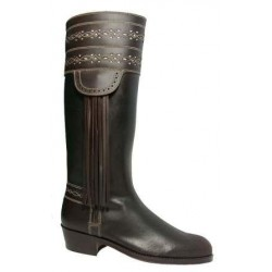 067N - Leather boots decorated
